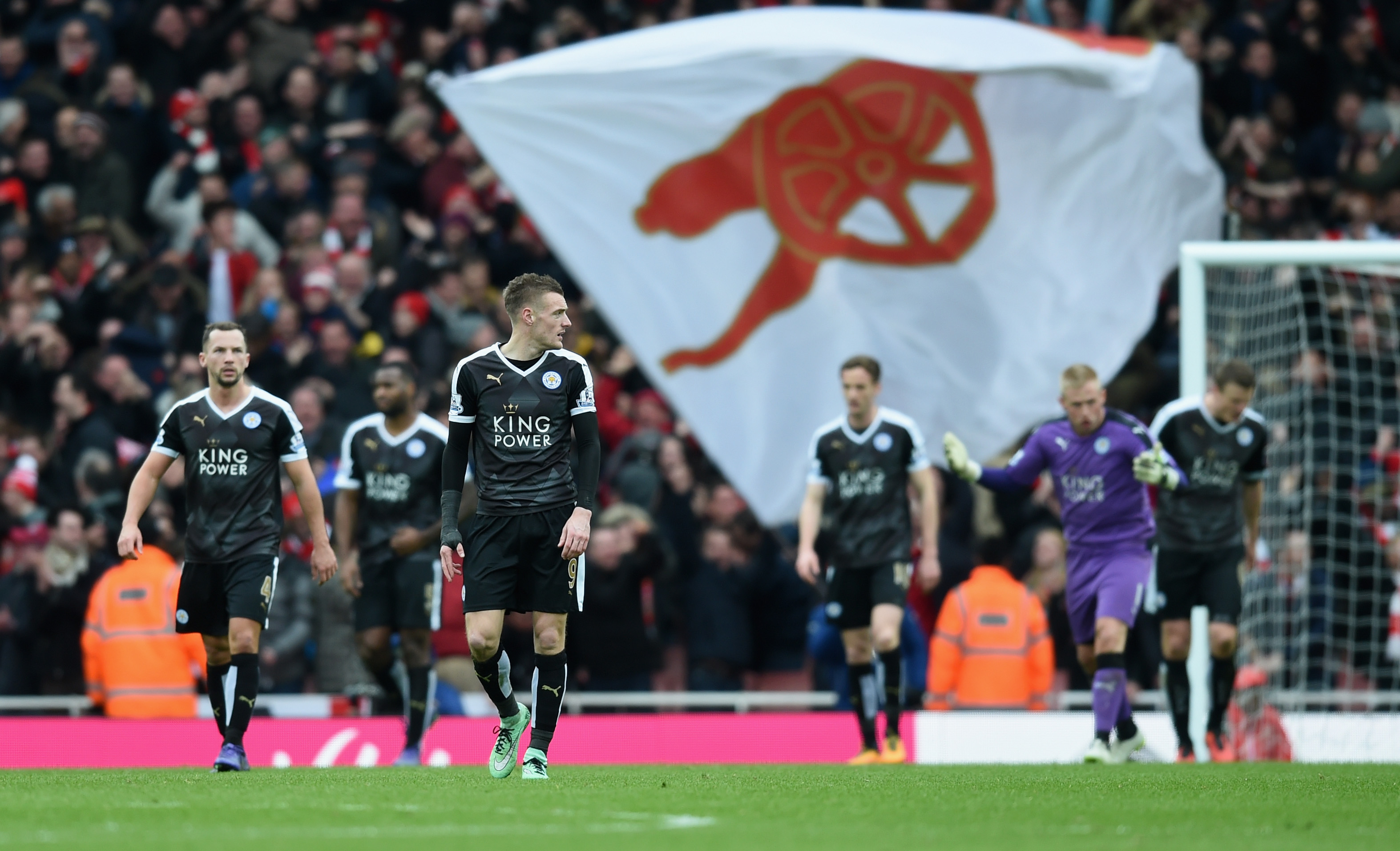 Arsenal 2 1 Leicester February 2016 A Tale Of Leicester Glory And Arsenal Failure The Totally Football Show